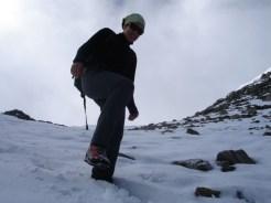 Abstieg über den Neuschnee