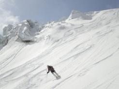 Abfahrt im Gletscherbruch