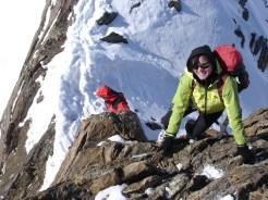 Christine beim Abstieg vom Gipfel
