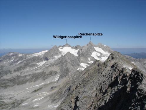 Interessante Berge gesehen vom Gipfel
