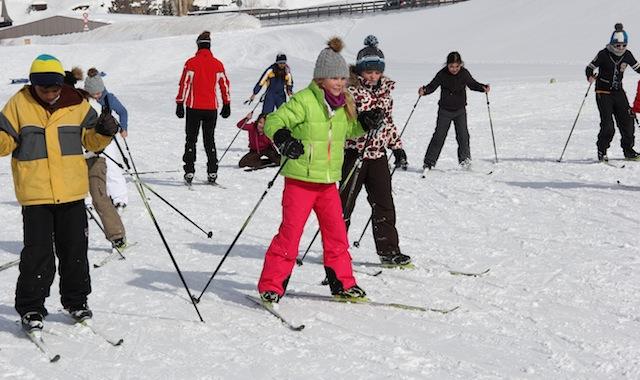 375 Schulkinder kamen in den Genuss vom Dario Cologna Fun Parcour in Andermatt