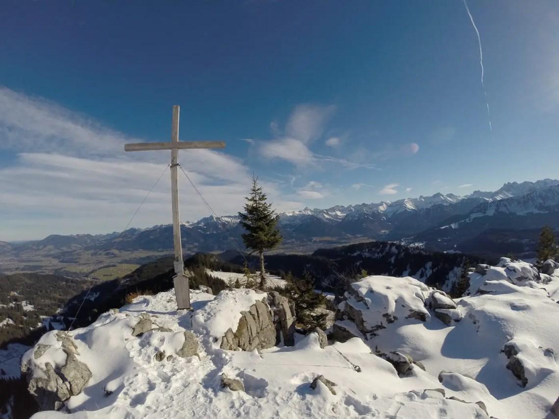 Besler Gipfelkreuz im Winter