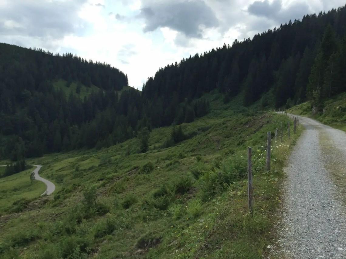 Oberhalb der Schnitzlertal Alpe