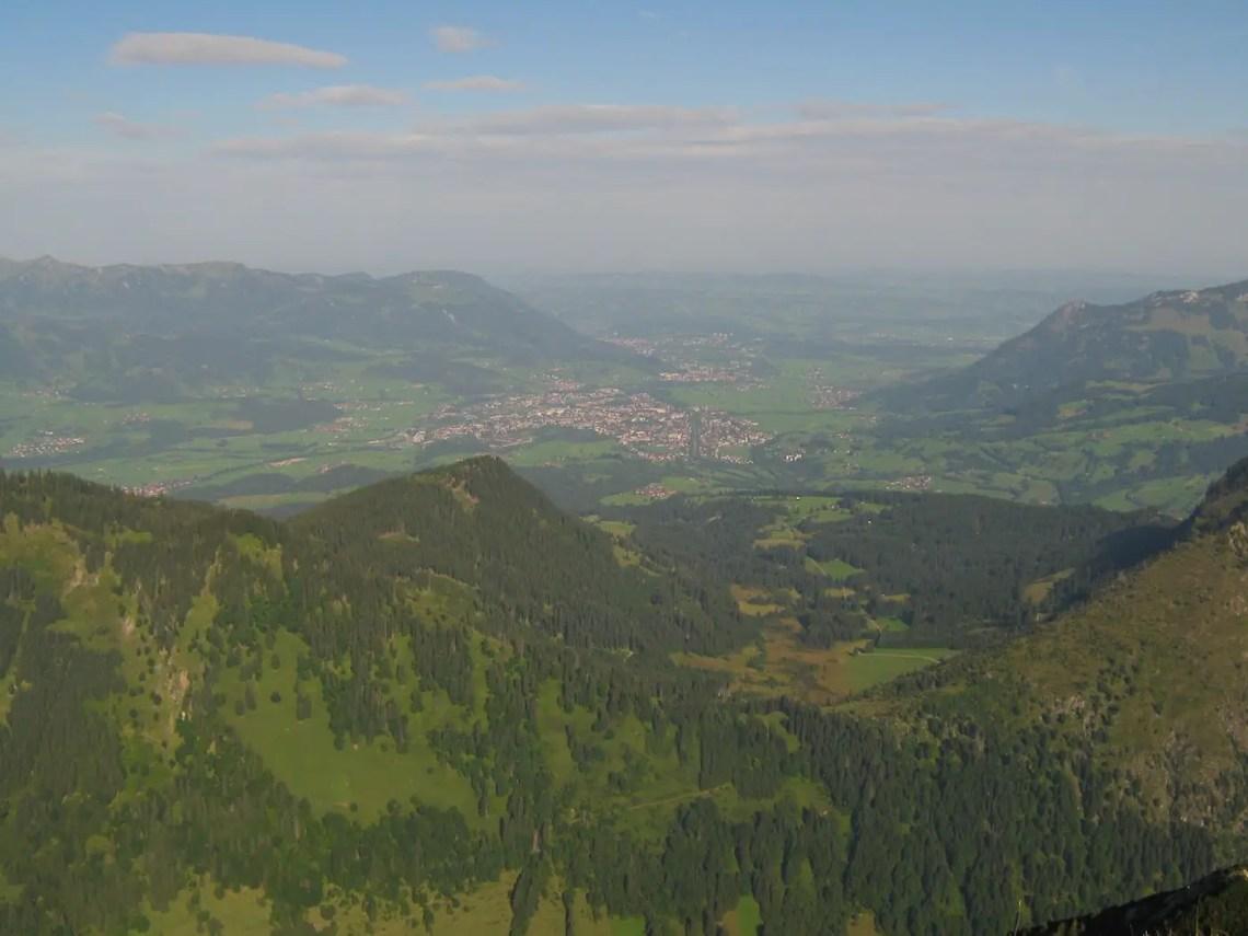 Sonthofen von der Rotspitze aus fotografiert