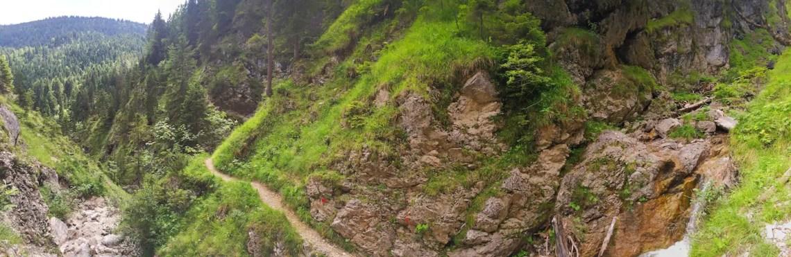 Gesicherter Weg am Krottental