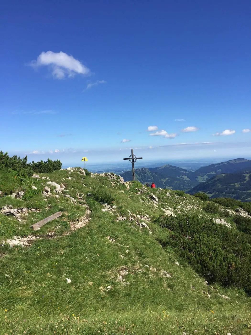 Rohnenspitze mit dem Gipfelkreuz