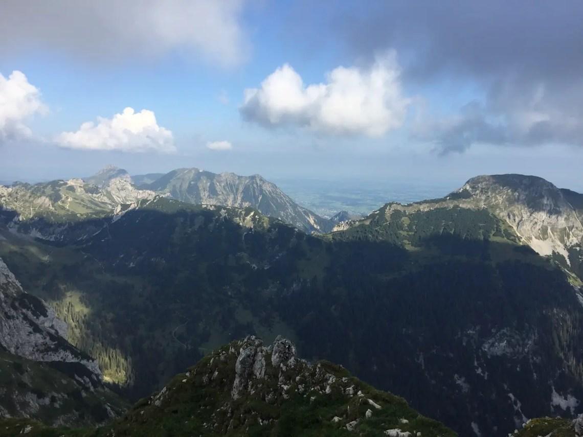 Panorama zur Großen Schlicke und ins Allgäuer Unterland