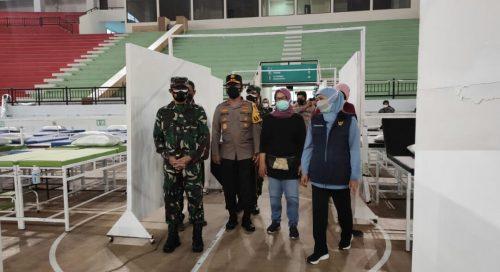 Forkopimda Jatim Cek Kesiapan RS Darurat Indoor di GBT Surabaya