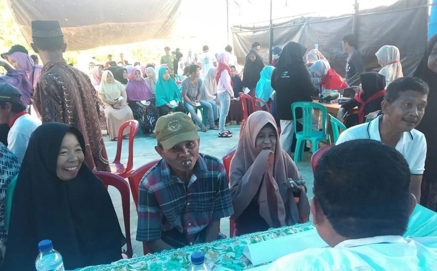 Aksi Relawan KSR PMI Unhas bekerja sama dengan Pemerintah Desa Lambuno Kecamatan Katoi, Sunatan Hingga Pemeriksaan Golongan Darah Gratis Untuk Warga Desa