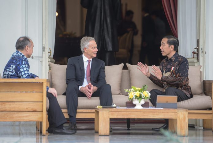Bertemu Tony Blair dan Masayoshi Son, Jokowi Bahas Pemindahan Ibu Kota