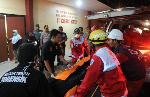 Kantong jenazah yang tiba di RS Polri Jakarta.