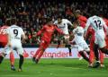 Real Madrid ditundukkan Valencia 1-2 dalam lanjutan LaLiga. (Foto: David Ramos / Getty Images)
