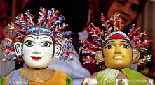 10092012-ornamen-ondel-ondel-menjadi-penghias-pada-rumah-adat-betawi | Foto: Aljon Ali Sagara