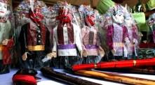 10092012-souvenir-ondel-dan-golok-betawi-menjadi-cinderamata-bagi-pengunjung