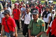 20130429 AljonAliSagara_Demo PNS Honorer Indonesia 03