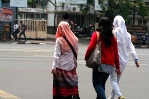 20130404 Pejalan kaki menyebrang jalan 05