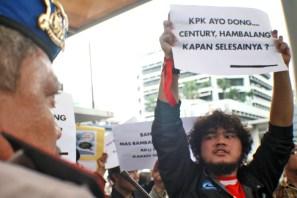 20130517 Demo Century FRAKSI di KPK 06