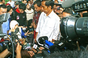 Komunitas difabel memberikan evaluasi dan saran kepada Jokowi. ( Tajuk.co / Aljon Ali Sagara )