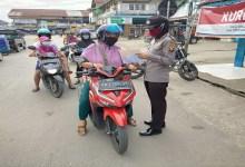 Photo of Jajaran Polres Sekadau Sosialisasi dan Edukasi New Normal Life ke Warga
