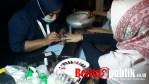 VS Beauty Parlor Specialized sedang melayani konsumen