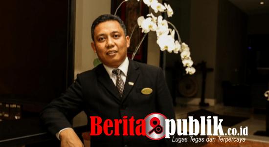 General Manager Hotel Santika TMII Jakarta, Ricky Rimbawan