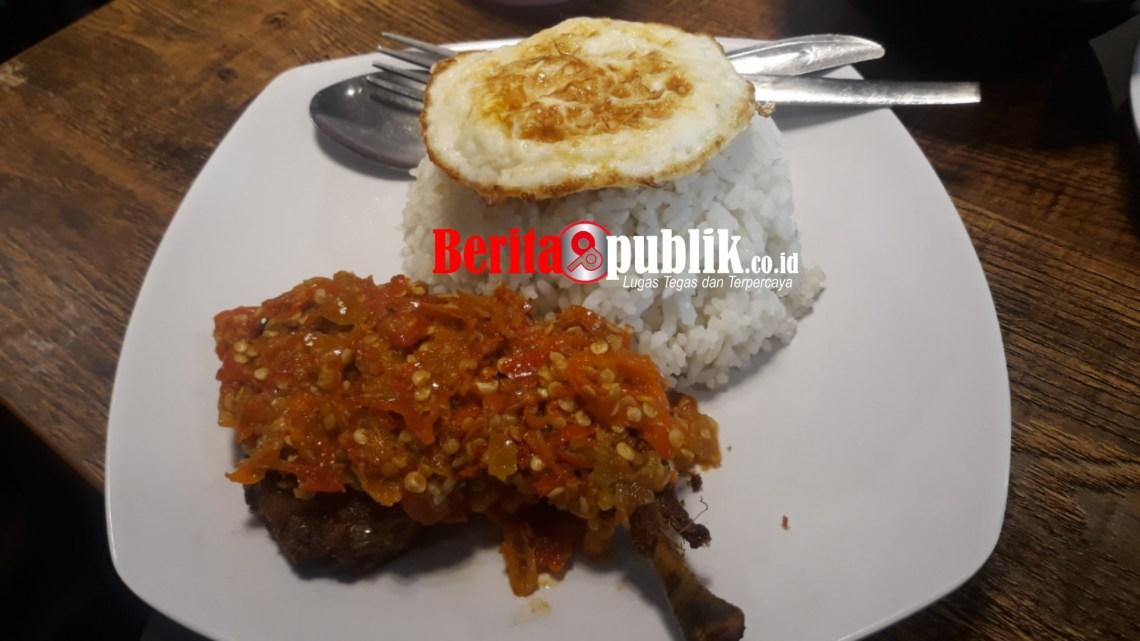 Nasi Ayam Penyet Upnormal