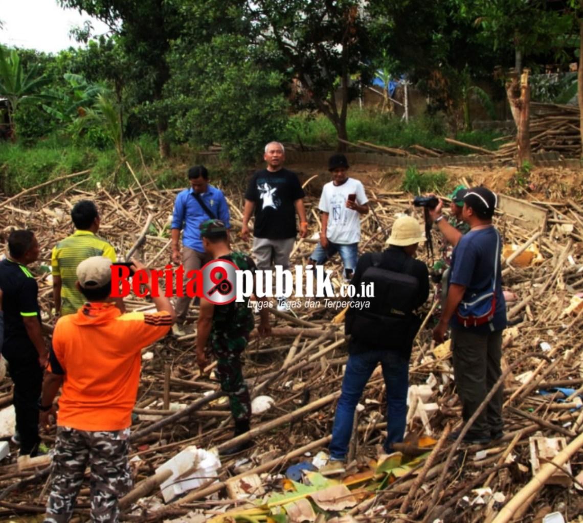 Walikota Bekasi Tangani Sampah Bambu Bendung Koja.