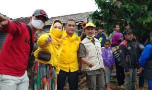 Rombongan Badan Penanggulangan Bencana (BPB) Dewan Pimpinan Pusat (DPP) Partai Golkar terjun langsung ke lokasi bencana alam banjir bandang Cicurug, Kabupaten Sukabumi, Jawa Barat, Selasa (22/9).