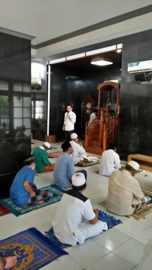 Tiga Pilar Berikan Bantuan Sembako Untuk Pesantren di Wilayah Setu Tangsel