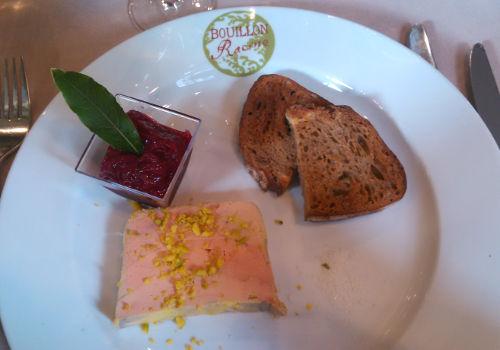 Foie gras de canard maison, compotée de pêches de vigne