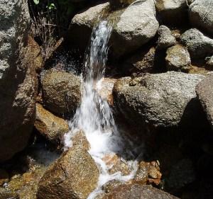 Stream 02, Mokelumne Wilderness. Tom Hilton. CC BY 2.0