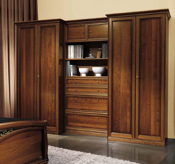 gabinete de madera dentro