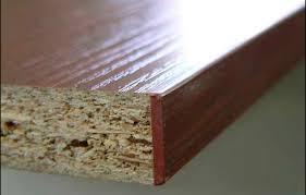 Scurire Mobili Impiallacciati : Di quali materiali sono fatti i mobili truciolato mdf fibra di