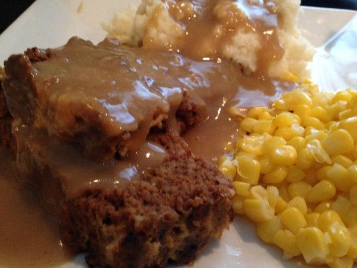 cafe-at-maple-springs-meatloaf