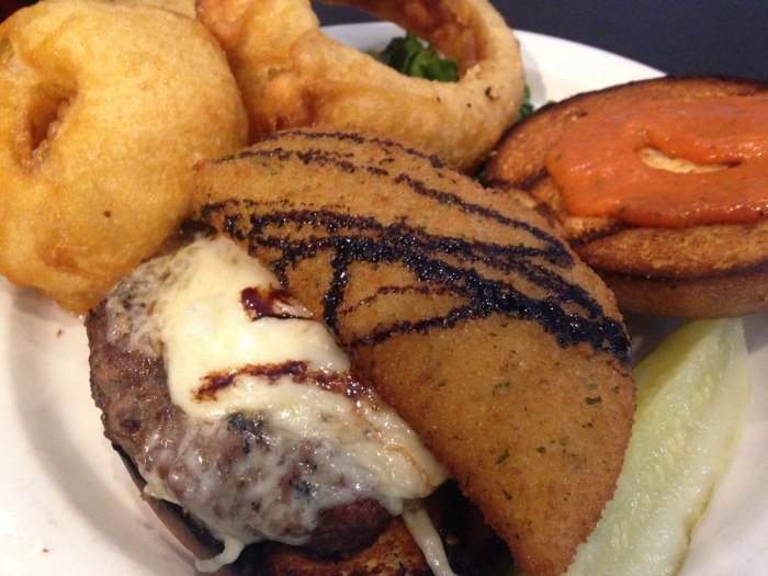 tavern-on-penn-penn-avenue-burger