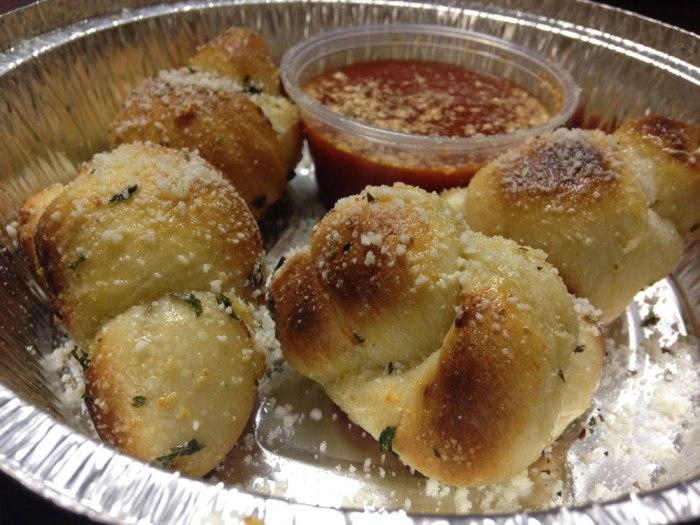 romano-s-garlic-knots