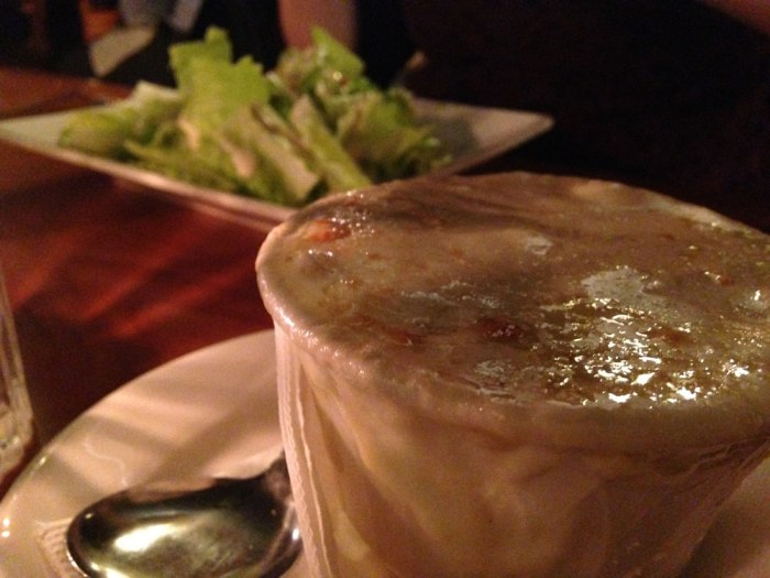 viva-castle-pub-french-onion-soup