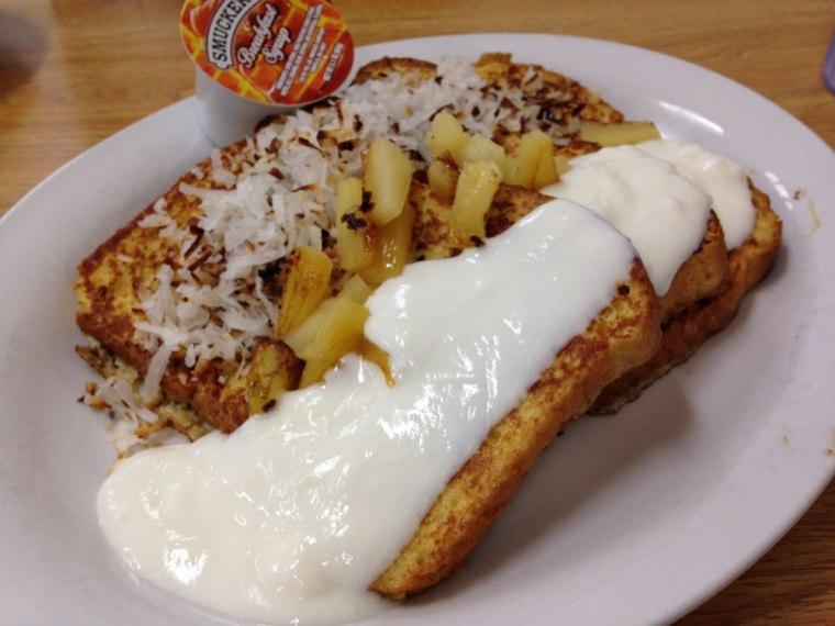 brooks-cafe-hawaiian-bread-french-toast