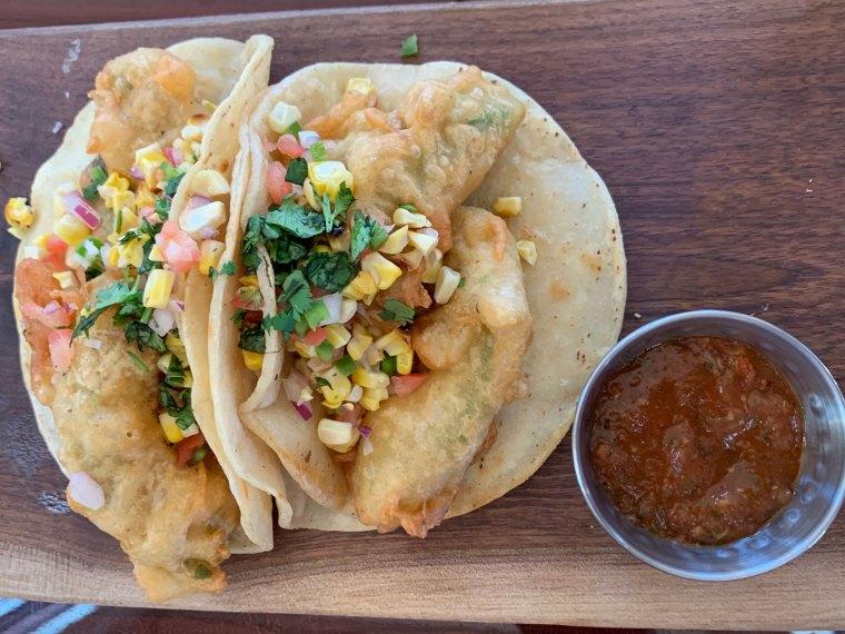 Saucony Creek Franklin Station Brewpub Avocado Tacos