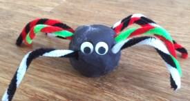 play dough spider, spider craft, toddler halloween craft