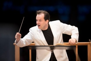 Andris Nelsons leads the BSO. Photo by Marco Borggreve