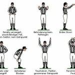 zeigt die Gesten die ein Referee während des Spiels macht, um anzuzeigen was passiert ist