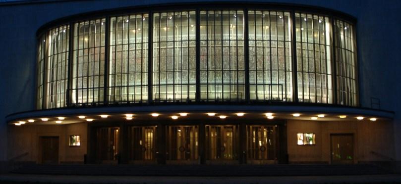 Her på Schiller Theater spiller Staatsoper... skal vi sige indtil videre... Foto: Kirsten Andersn