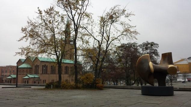 St.-Matthäus-Kirche, Kammermusiksaal set fra Neue Nationalgalerie, november 2014. Foto: Kirsten Andersen