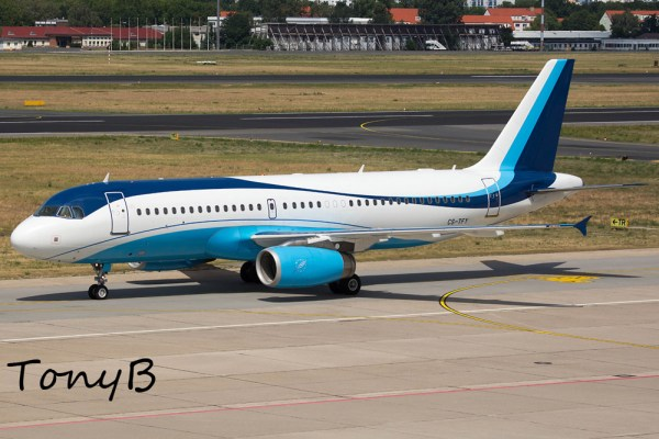 Masterjet Airbus A320-200 CS-TFY (Berlin TXL 20.7. 2016)