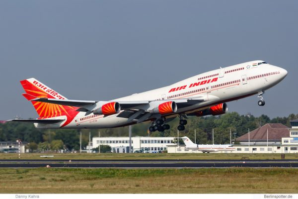 Air India Boeing 747-400 VT-EVB (TXL 16.9. 2016)