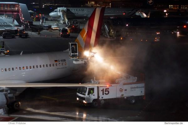 Flugzeug-Enteisung (© o. Pritzkow)