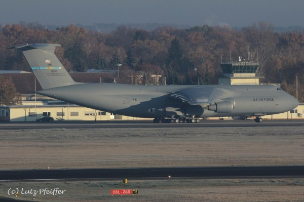 US Air Force Lockheed C-5M Galaxy 83-1285 (TXL 14.11. 2016)