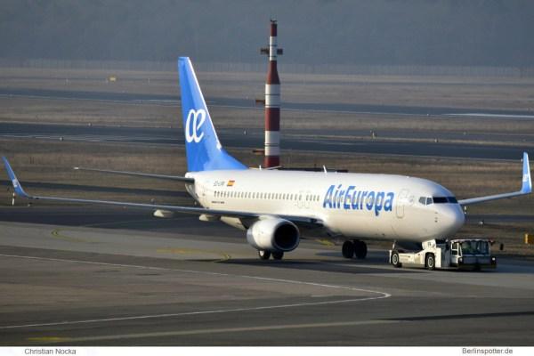 Air Europa Boeing 737-800(WL) EC-LPR (TXL 10.2. 2017)
