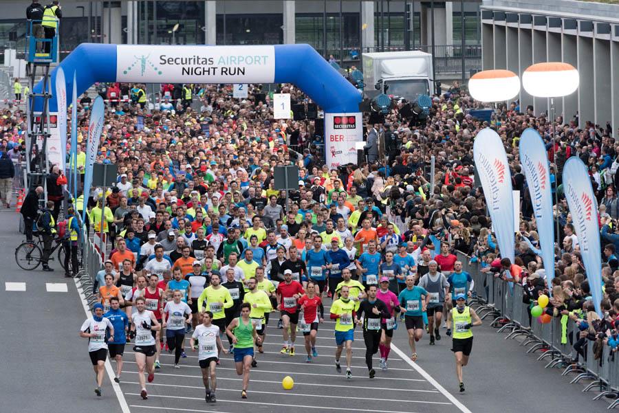 6600 Teilnehmer beim Airport Night Run